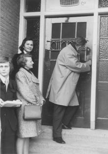 1972-burg.-opent-het-pand